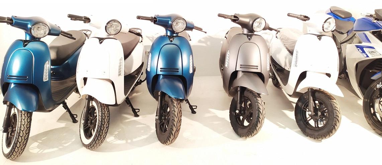 Moto eléctrica neumático blanco